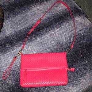 Cute hot pink bag!!